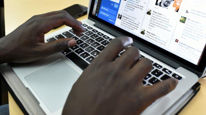 """Résultat de recherche d'images pour """"afrique, internet, rencontre"""""""