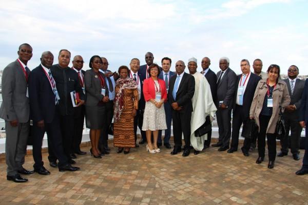Photo de famille 14e Comité Exécutif CGLU Afrique