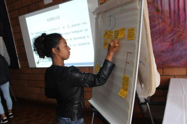 Le programme « Enable Youth » s'adresse aux diplômés universitaires avec l'objectif de leur offrir des emplois décents et bien rémunérés.