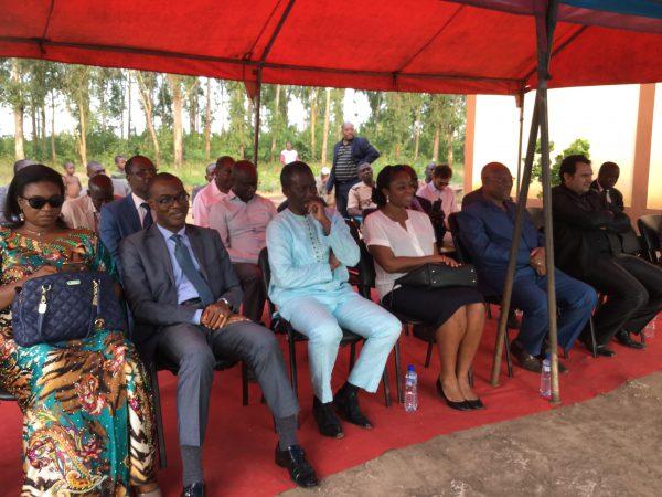 (de gauche à droite) Serges N'Guessan, représentant résidant de la BAD au Togo, Ouro-Koura Agadazi, Cina Lawson et responsables des sociétés de téléphonie