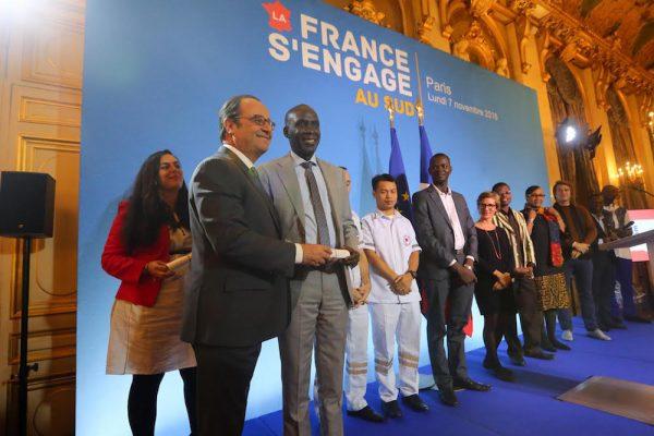 """Le président François Hollande participe à la cérémonie de remise des prix de """"La France s'engage au Sud"""" au ministère des Affaires étrangères"""