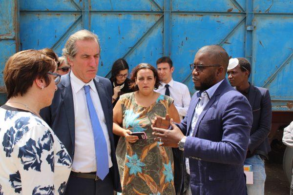 De gauche à droite, Martine Pinville, Ministre Française du commerce, Christophe Bigot, Ambassadeur de France au Sénégal et Macoumba Diagne, Directeur Général de PROPLAST