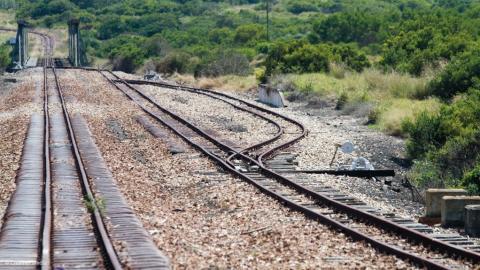 La r habilitation du chemin de fer abidjan ouagadougou kaya va enfin d marrer financial afrik - Traverse de chemin de fer occasion ...