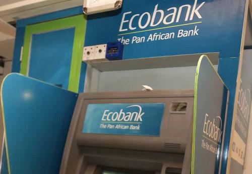 Carte But Retrait Distributeur.Cameroun Ecobank Xpress Cash La Nouvelle Option De
