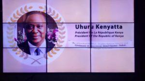 Busan, remise du trophée Babacar Ndiaye -ARB au président Uhuru Kenyatta