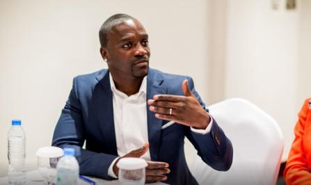 Par Diary Ndiaye Après le projet Akon Lighting Africa lancé en 2014, la star Sénégalo-américaine, Akon, continue son périple à travers le continent, avec une nouvelle vision. Il lance, en effet, un…