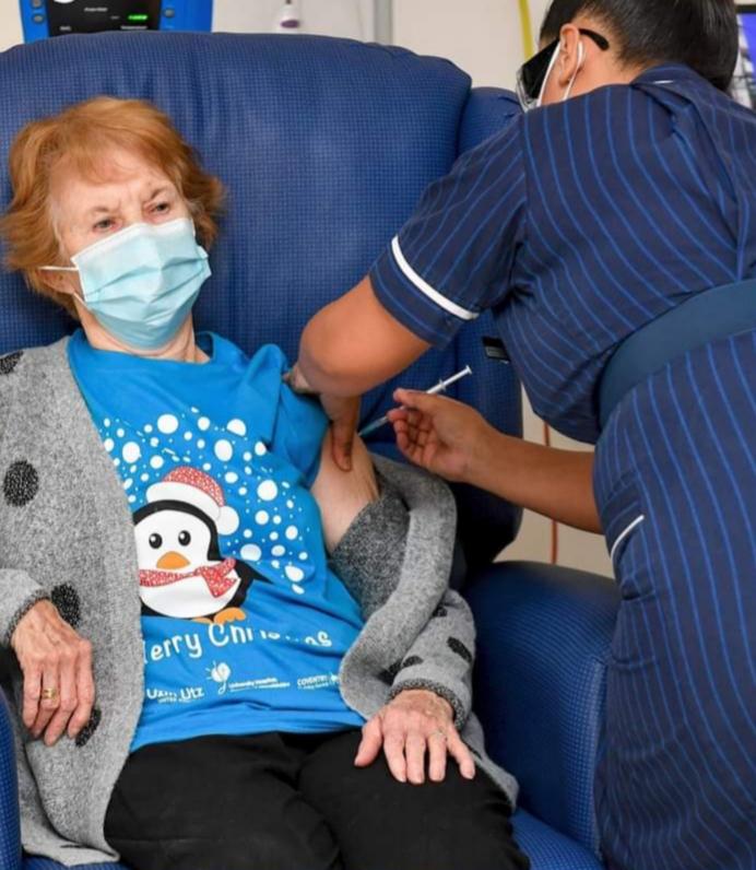 La pionnière au vaccin contre le Covid-19 en Grande-Bretagne