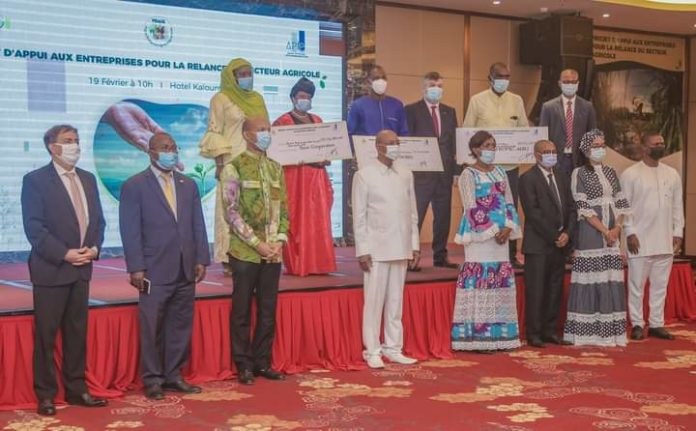 Information - Guinée: la Banque mondiale injecte 1 million de dollars dans des PME pour la relance agricole